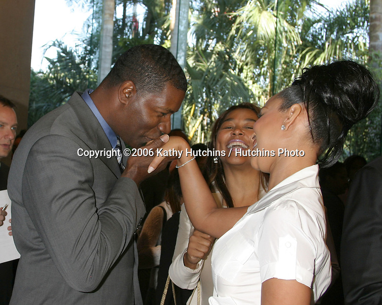 Dennis Haysbert.Lisa Raye.congratulating her on her engagement.NAACP Image Award Nominees Luncheon.Beverly Hilton Hotel.Beverly Hills, CA.February 11, 2006.©2006 Kathy Hutchins / Hutchins Photo....