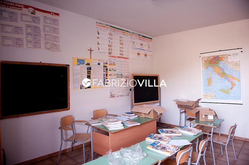 Stromboli, isole Eolie. La scuola alternativa degli alunni dell'isola..