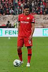 05.10.2019, BayArena, Leverkusen, GER, 1. FBL, Bayer 04 Leverkusen vs. RB Leipzig,<br />  <br /> DFL regulations prohibit any use of photographs as image sequences and/or quasi-video<br /> <br /> im Bild / picture shows: <br /> Nadiem Amiri (Leverkusen #11), fuehrt einen Freistoss aus. <br /> <br /> Foto © nordphoto / Meuter
