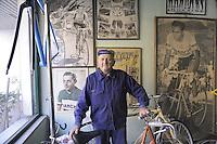 - Milano, gli artigiani del quartiere Ticinese; Giuseppe Drali, riparatore e costruttore di biciclette; ha costruito le bici dei pi&ugrave; grandi campioni italiani di ciclismo<br /> <br /> - Milan, the artisans of Ticinese district;  Giuseppe Drali, repairer and builder of bicycles, has built the bikes of the greatest champions of Italian cycling