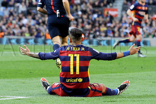 12.03.2016. Nou Camp, Barcelona, Spain. La Liga. Barcelona versus Getafe. Neymar asks the referee for some protection as he is dumped to the ground again during the match
