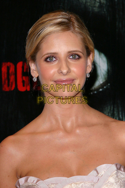 "SARAH MICHELLE GELLAR.""The Grudge"" Premiere, held at the Mann Village Theatre,. Westwood, California, USA, 12th October 2004.  .portrait headshot.**UK SALES ONLY**.Ref:ADM.www.capitalpictures.com.sales@capitalpictures.com.©JW/AdMedia/Capital Pictures ."