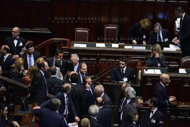 Roma, 20 Aprile 2013.Camera dei Deputati.Votazione del Presidente della Repubblica a camere riunite..Silvio Berlusconi enra in aula attorniato da Deputati e Senatori