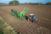 Harvesting potatoes with a AVR Spirit 9200 - Lincolnshire, October