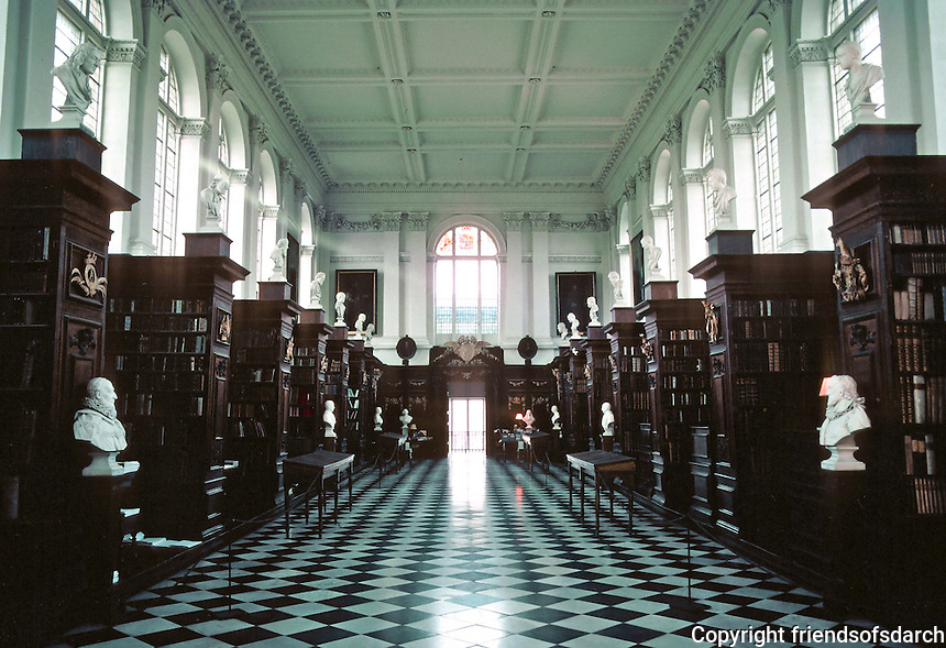 Sir Christopher Wren: Wren Library, Trinity College, Cambridge. Interior. Photo '82.