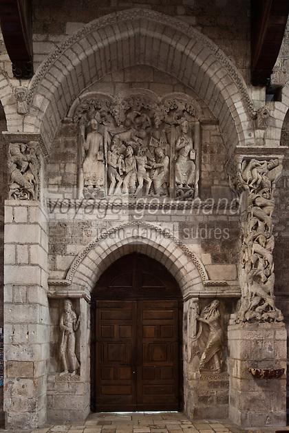 Europe/Europe/France/Midi-Pyrénées/46/Lot/Souillac: Eglise ababtiale Sainte-Marie -  A l'intérieur: le Portail du XII éme