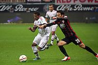 Douglas Costa (Bayern) gegen Makoto Hasebe (Eintracht) - Eintracht Frankfurt vs. FC Bayern Muenchen, Commerzbank Arena