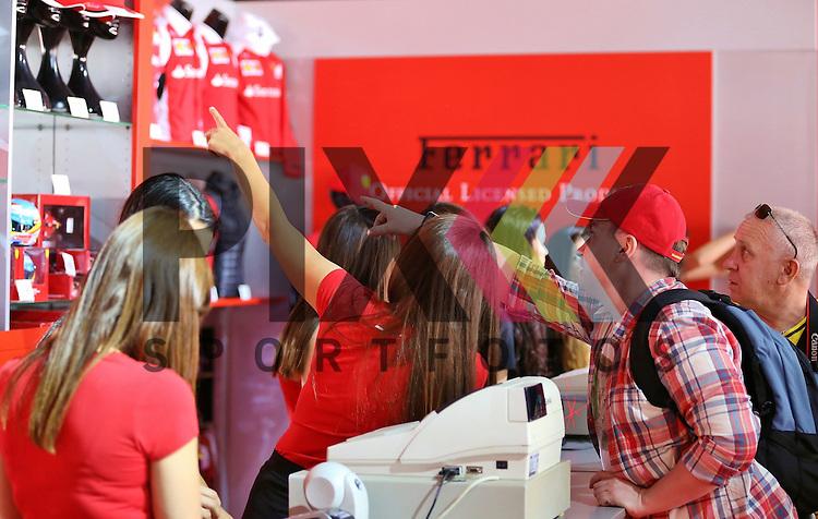 Barcelona, 10.05.15, Motorsport, GP Spanien 2015 : Verkaufsstand, Ferrari<br /> <br /> Foto &copy; P-I-X.org *** Foto ist honorarpflichtig! *** Auf Anfrage in hoeherer Qualitaet/Aufloesung. Belegexemplar erbeten. Veroeffentlichung ausschliesslich fuer journalistisch-publizistische Zwecke. For editorial use only.