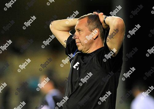 2013-08-10 / voetbal / seizoen 2012 - 2013 / ASV Geel - Dessel Sport / Ontgoocheling bij coach Eric Franken (Geel) na de nederlaag tegen de buren uit Dessel