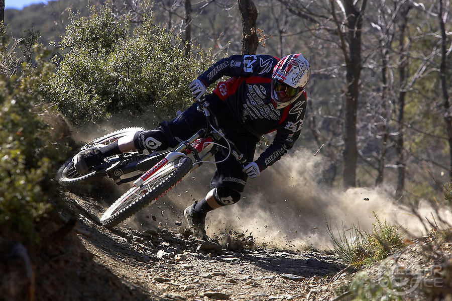 Steve Peat riding downhill in the Alpujarras , Spain , March 2007.pic copyright Steve Behr / Stockfile