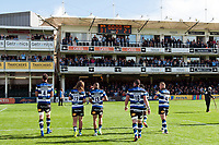 Bath Rugby players tour the field after the match. Aviva Premiership match, between Bath Rugby and Saracens on September 9, 2017 at the Recreation Ground in Bath, England. Photo by: Patrick Khachfe / Onside Images