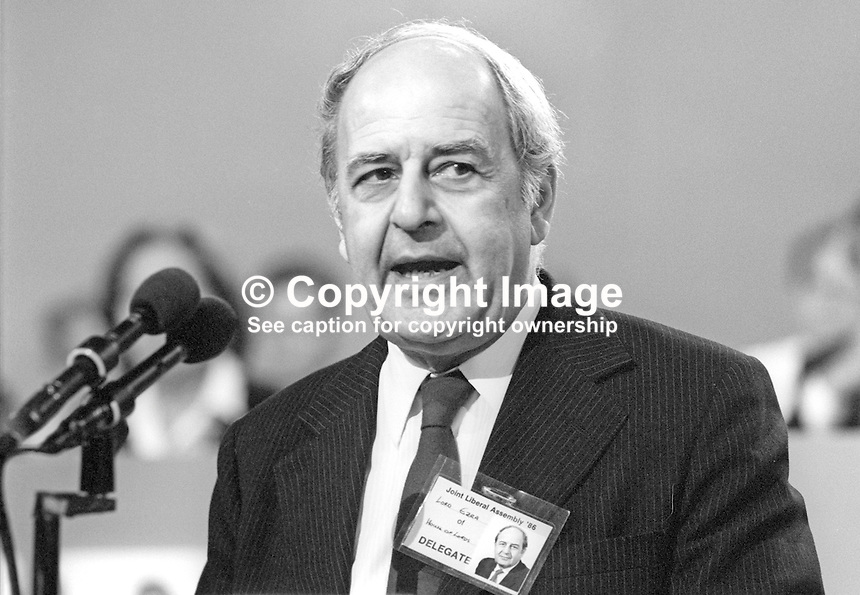 Lord Derek Ezra, Life Peer, Liberal Party, UK, speaking, annual conference, 19860913DE1<br /> <br /> Copyright Image from Victor Patterson, 54 Dorchester Park, Belfast, UK, BT9 6RJ<br /> <br /> Tel: +44 28 9066 1296<br /> Mob: +44 7802 353836<br /> Voicemail +44 20 8816 7153<br /> Skype: victorpattersonbelfast<br /> Email: victor@victorpatterson.com<br /> Email: victorpatterson@me.com (back-up)<br /> <br /> IMPORTANT: If you wish to use this image or any other of my images please go to www.victorpatterson.com and click on the Terms &amp; Conditions. Then contact me by email or phone with the reference number(s) of the image(s) concerned.