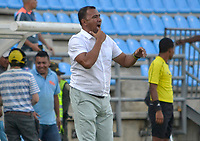 SANTA MARTA - COLOMBIA, 02-02-2019: Harold Rivera técnico del Unión gesticula durante partido por la fecha 3 de la Liga Águila I 2019 entre Unión Magdalena y La Equidad jugado en el estadio Sierra Nevada de la ciudad de Santa Marta. / Harold Rivera coach of Union gestures during match for the date 3 as part Aguila League I 2019 between Union Magdalena and La Equidad played at Sierra Nevada stadium in Santa Marta city. Photo: VizzorImage / Gustavo Pacheco / Cont