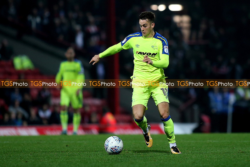 Tom Lawrence of Derby County in action during Brentford vs Derby County, Sky Bet EFL Championship Football at Griffin Park on 26th September 2017