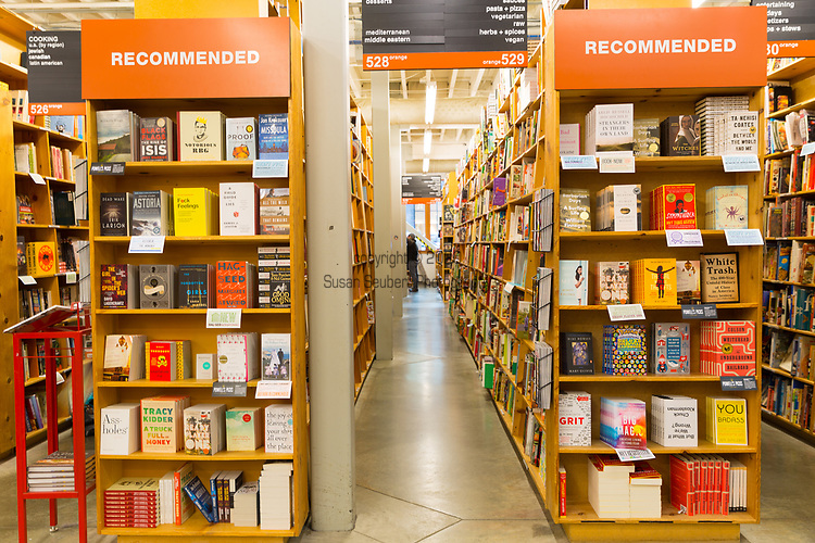 Powell's Bookstore in downtown Portland, Oregon is one of the largest bookstores in the United States and a popular place to shop for both residents of the city and tourists alike.