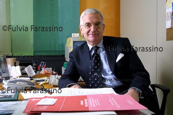 Milano 4/2/2002. Prof. Fiorentini