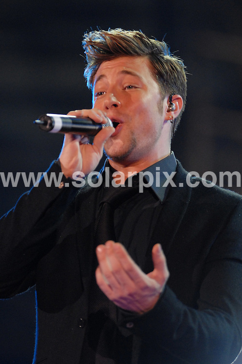**ALL ROUND PICTURES FROM SOLARPIX.COM**.**WORLDWIDE SYNDICATION RIGHTS EXCLUDING UK & ITALY - NO PUBLICATION IN UK OR ITALY**.Duncan James performing at Festivalbar 2006, Verona, Italy. 05 September 2006..This pic: Duncan James..JOB REF: 9142 MXN       DATE: 05_09_2006.**MUST CREDIT SOLARPIX.COM OR DOUBLE FEE WILL BE CHARGED**.**ONLINE USAGE FEE GBP 50.00 PER PICTURE - NOTIFICATION OF USAGE TO PHOTO @ SOLARPIX.COM**.**CALL SOLARPIX : +34 952 811 768 or LOW RATE FROM UK 0844 617 7637**