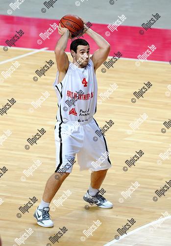 2012-01-10 / Basketbal / seizoen 2011-2012 / Antwerp Giants - Artland Dragons / Roel Moors..Foto: Mpics.be