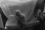 Projeto de impacto do uso de mosquiteiros impregnados distribuídos a população no combate a malária , dengue e doenças transmitidas por vetores. .Impact Project that uses insecticide-treated mosquito nets distributed to people in the fight against dengue, malaria and vector-borne diseases..Após o trabalho de conscientização, pulverização, vaporização e a entrega dos mosquiteiros, a incidência de malária e dengue tem diminuído em Tefé (AM). Entretanto, a região ainda necessita de mais agentes de saúde, microscopistas, Além de melhores condições de trabalho como uniformes, instrumentos de proteção e higiene (luvas e botas) e barcos, já que vários estão quebrados e sem condições de trafegar nos rios Tefé e Tapajós..After the awareness campaign, spraying, fogging and delivery of bed nets, the incidence of malaria and dengue fever has decreased in Tefe (Amazonas State). However, the region.Alzira Pereira dos Santos resident of Agrovila, an INCRA settlement in Tefe (Amazonas State). The village is an endemic area for malaria  and dengue fever. In the past ,  several bed nets were distributed to the people. But the community grew and are missing bed nets for the new residents. In addition the old bed nets need to be renovated.Alzira Pereira dos Santos..