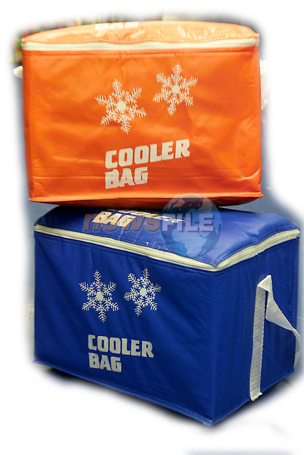 ValueLand 2 Coolerbags..Picture Fran Caffrey Newsfile.