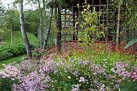 France, Chaumont-sur-Loire, Festival des Jardins 2013, jardin (permanent) chinois de Yu Kongjian dans les Prés du Goualoup, abri renouées et aster (mention obligatoire du Festival)