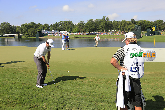 Zach Johnson (USA) chips onto the 14th green during Thursday's Round 1 of the 2017 PGA Championship held at Quail Hollow Golf Club, Charlotte, North Carolina, USA. 10th August 2017.<br /> Picture: Eoin Clarke | Golffile<br /> <br /> <br /> All photos usage must carry mandatory copyright credit (&copy; Golffile | Eoin Clarke)