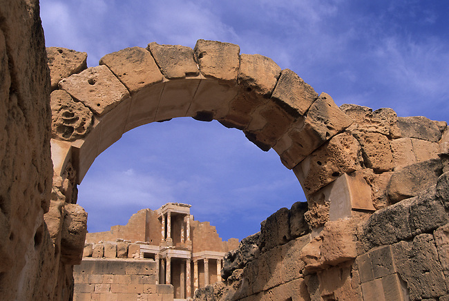 LIBYA, NEAR TRIPOLI, SABRATHA, ROMAN THEATRE (2ND CENTURY AD)