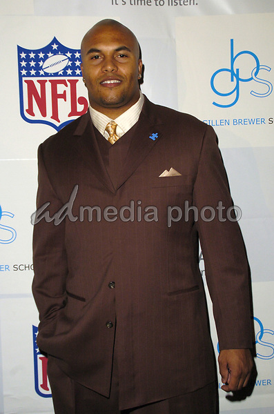 "14 March 2007 - New York, New York - Antonio Pierce. ""Kickoff For A Cure II"" Benefit Gala to benefit Autism Speaks and The Gillen Brewer School for children with disabilities at the Waldorf-Astoria Hotel. Photo Credit: Bill Lyons/AdMedia *** Local Caption ***"