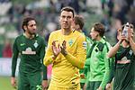 15.04.2018, Weser Stadion, Bremen, GER, 1.FBL, Werder Bremen vs RB Leibzig, im Bild<br /> <br /> Dank an die Fans nach dem Spiel <br /> Ishak Belfodil (Werder #29)<br /> <br /> Foto &copy; nordphoto / Kokenge