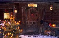 Europe/Autriche/Tyrol/Alpbach: Unterberg chalet écomusée - Décoration du soir de Noël