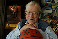 bish.1205.mgk1.jpg 12/04/02<br />