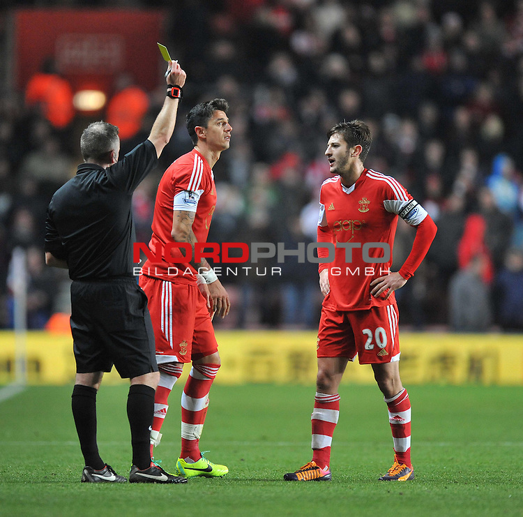 Southampton's Jose Fonte gets booked. -  04/12/2013 - SPORT - Football - Southampton - St Mary's Stadium - Southampton v Aston Villa - Barclays Premier League<br /> Foto nph / Meredith<br /> <br /> ***** OUT OF UK *****