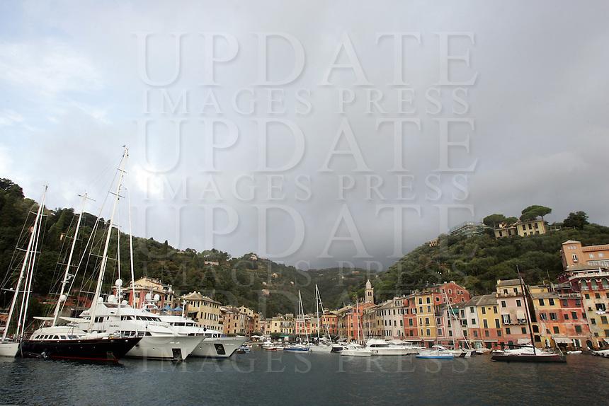 Barche e yachts ormeggiati nel porto di Portofino.<br /> Moored boats and yachts in the harbour of Portofino.<br /> UPDATE IMAGES PRESS/Riccardo De Luca