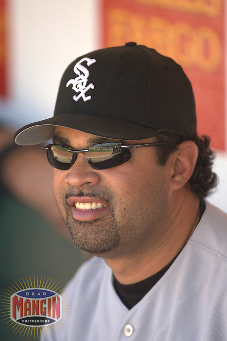 Ozzie Guillen. Baseball: Chicago White Sox vs Oakland Athletics at McAfee Coliseum in Oakland, CA on September 17, 2006. Photo by Brad Mangin