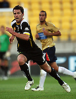 Phoenix captain Tim Brown during the A-League match between Wellington Phoenix and Newcastle Jets at Westpac Stadium, Wellington, New Zealand on Sunday, 4 January 2009. Photo: Dave Lintott / lintottphoto.co.nz