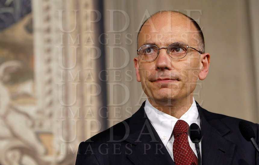 Il Presidente del Consiglio incaricato Enrico Letta incontra la stampa per leggere la lista dei ministri del suo nuovo governo, al termine del suo colloquio col Capo dello Stato, al Quirinale, Roma, 27 aprile 2013..Italian Premier designate Enrico Letta meets press to read the list of ministers of his new government, at the end of his talks with the Head of State, at the Quirinale presidential palace in Rome, 27 April 2013..UPDATE IMAGES PRESS/Isabella Bonotto