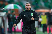MEDELLÍN - COLOMBIA, 05-11-2018: Hernan Dario Herrera técnico de Atlético Nacional gesticula durante partido con La Equidad por la fecha 18 de la Liga Águila II 2018 jugado en el estadio Atanasio Girardot de la ciudad de Medellín. / Hernan Dario Herrera coach of Atletico Nacional gestures during match against La Equidad for the date 18 of the Aguila League II 2018 played at Atanasio Girardot stadium in Medellin city. Photo: VizzorImage/León Monsalve/Cont