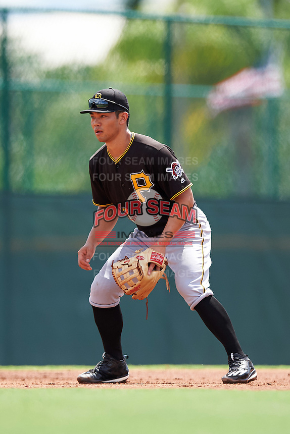 Pittsburgh Pirates third baseman Connor Joe (17) during an Instructional League Intrasquad Black & Gold game on September 28, 2016 at Pirate City in Bradenton, Florida.  (Mike Janes/Four Seam Images)