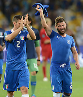 FUSSBALL  EUROPAMEISTERSCHAFT 2012   VIERTELFINALE England - Italien                     24.06.2012 Christian Maggio (li) Antonio Nocerino (re, beide Italien)