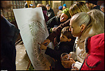 """Turismo in Barriera # 2, una passeggiata alla scoperta di insoliti punti di vista in Barriera di Milano. Progetto della associazione ONEOFF nell'ambito di 'Cosa succede in Barriera' con la partecipazione di Luca Morino. Qui la presentazione del progetto """"Crea la tua mappa di Barriera"""" curato da Nella Caffaratti. Dic 2012"""