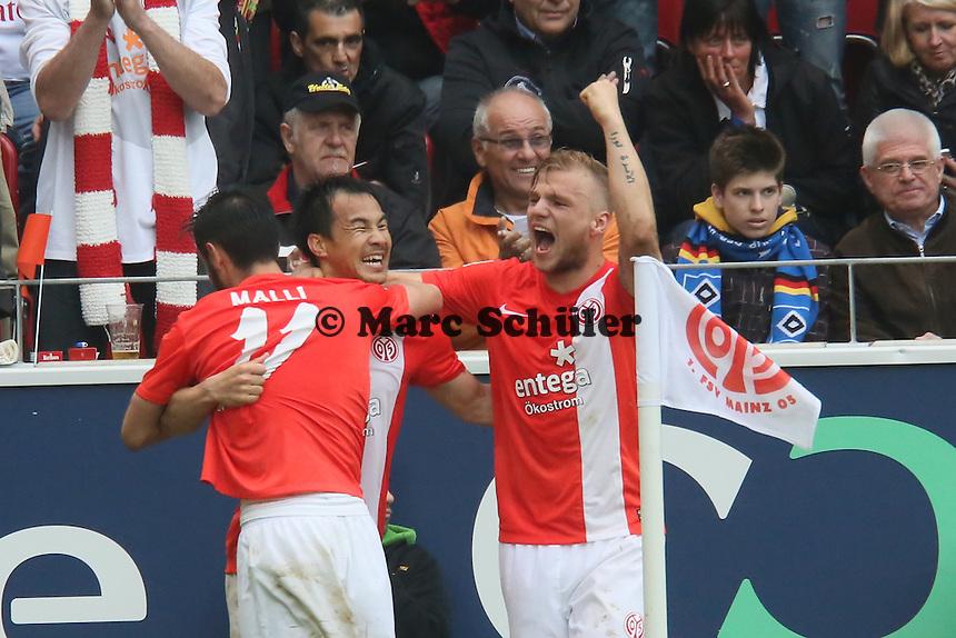 Shinji Okazaki (Mainz) erzielt das 3:1 und jubelt mit Johannes Geis - 1. FSV Mainz 05 vs. Hamburger SV, Coface Arena, 34. Spieltag