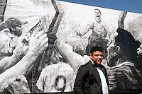 SÃO PAULO,SP,04 MAIO 2012 - MURO JOGADOR RONALDO <br /> O ex jogador Ronaldo recebeu homenagem na manha de hoje no CT joaquim Grava,um muro do CT ganhou um grafitte com o imagem do ex jogador comemorando seu com contra o Palmeiras. FOTO ALE VIANNA - BRAZIL PHOTO PRESS.