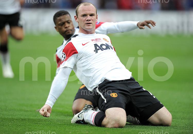 FUSSBALL      CHAMPIONSLEAGUE  FINALE     SAISON 2010/2011  28.05.2011 FC Barcelona - Manchester United FC  JUBEL Wayne Rooney  mit Patrice Evra (Manchester United FC)