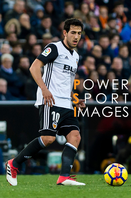Daniel Parejo Munoz of Valencia CF in action during the La Liga 2017-18 match between Valencia CF and Real Madrid at Estadio de Mestalla  on 27 January 2018 in Valencia, Spain. Photo by Maria Jose Segovia Carmona / Power Sport Images