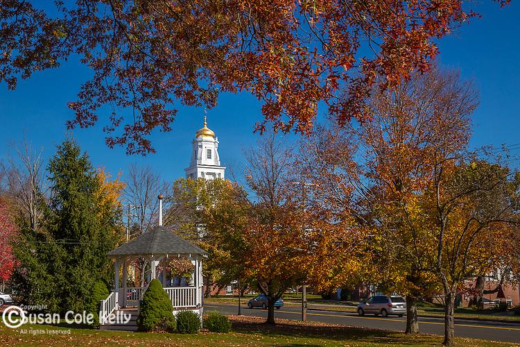 Fall foliage in Suffield, Connecticut, USA
