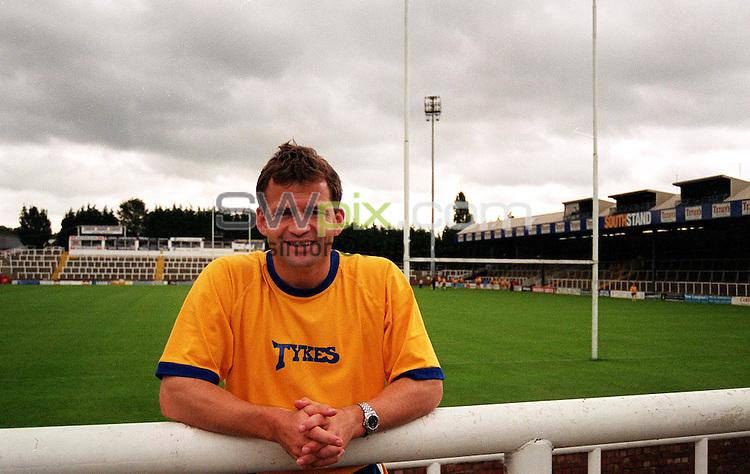 Pix: Matthew Lewis/SWpix.com.  Rugby Union. Jon Callard. Leeds Tykes RFU, Headingley. 30/08/2002...COPYWRIGHT PICTURE>>SIMON WILKINSON>>01943 436649>>..Leeds Tykes coach Jon Callard, as his new club Leeds Tykes.