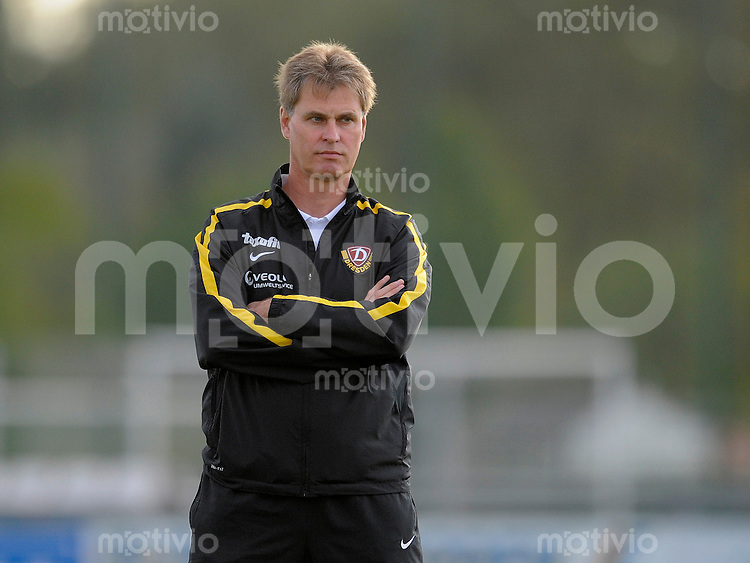 Fussball, 2. Bundesliga, Saison 2011/12, Testspiel SG Dynamo Dresden - Slovan Liberec, Pirna. Dresdens Trainer Ralf Loose.