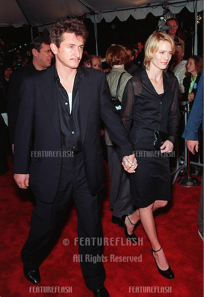 "08FEB99:  Actor SEAN PENN & actress wife ROBIN WRIGHT PENN at the world premiere of her new movie ""Message in a Bottle"" in which she stars with Kevin Costner & Paul Newman..© Paul Smith / Featureflash"