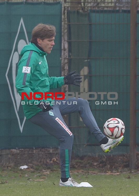 18.02.2015, Trainingsgelaende, Bremen, GER, 1.FBL, Training Werder Bremen, im Bild Clemens Fritz (Bremen #8)<br /> <br /> Foto &copy; nordphoto / Frisch