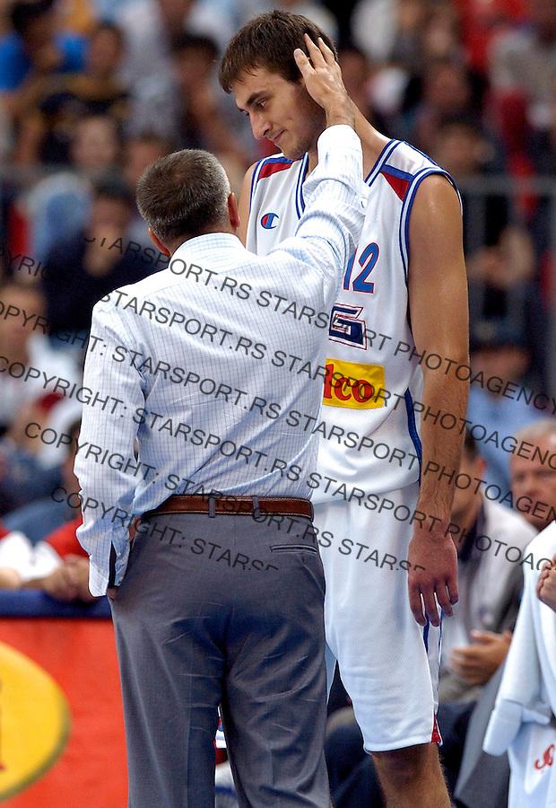 KOSARKA.DIAMOND BALL.SCG-CHINA.KRSTIC NENAD & ZELJKO OBRADOVIC.BGD, 31.07.2004..FOTO: SRDJAN STEVANOVIC